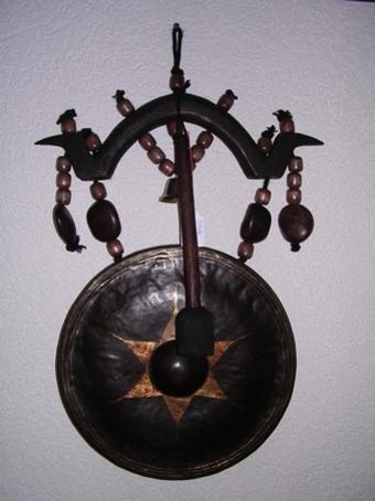 Gong mural