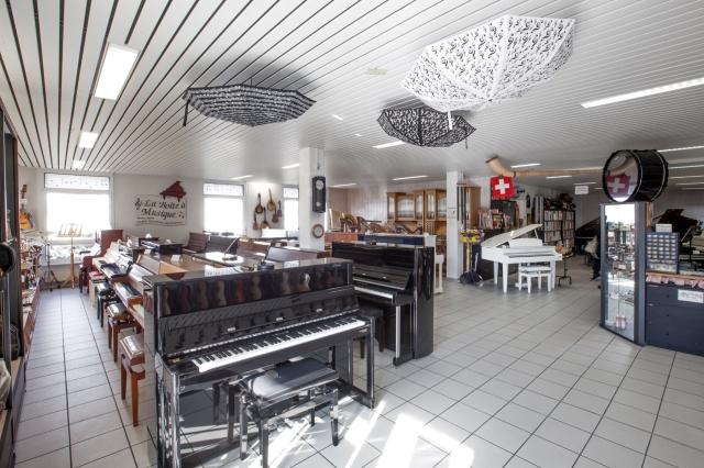 Pianos droits neufs